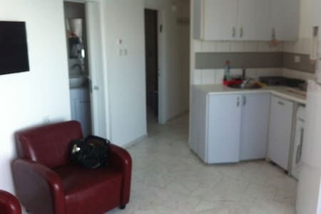 1 room 1 bed room kichenet equiped - Netanya - Lägenhet