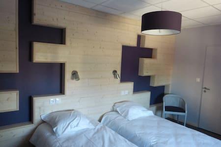 Chambres d'hôtes  Lac de Chalain-Jura - Marigny - Bed & Breakfast