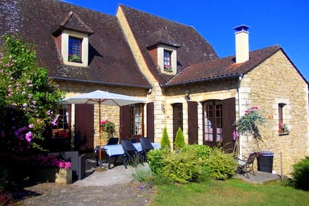 La Cachette B&B near Sarlat & Domme - Groléjac