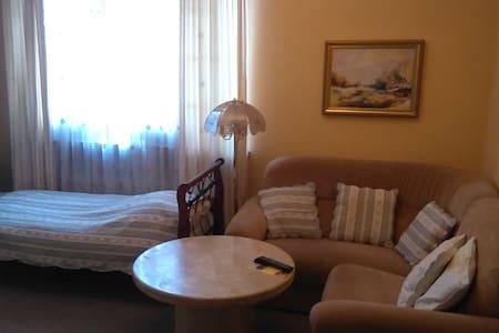 Pokój nr 6 w  Villa Podkowa - Podkowa Lesna
