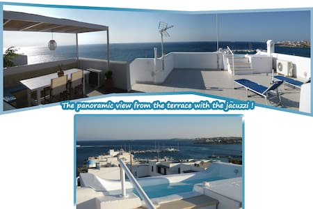 Seaside 2-Storey Villa with Terrace & Jacuzzi! - Piso Livadi