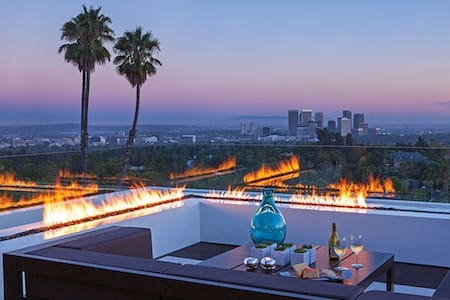 NEW PENTHOUSE BILLION DOLLAR VIEWS - Los Angeles - Apartment