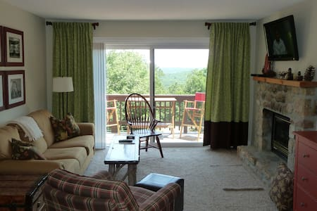 Must see... 2bed/2bath w/view, walk to slopes! - Beech Mountain
