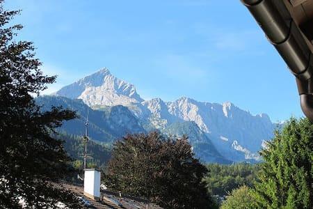 Central charmer with amazing views! - Garmisch-Partenkirchen