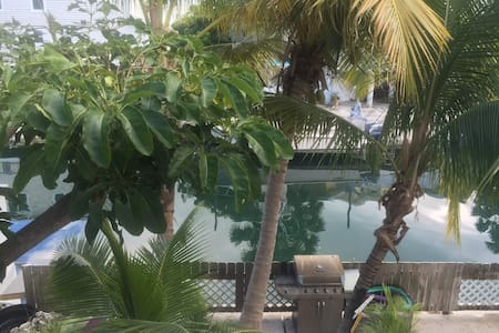 Paradise on a Conch Republic Canal - Apartment