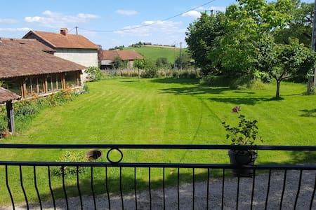 Joli duplex proche Figeac limite Aveyron et Cantal - Apartment