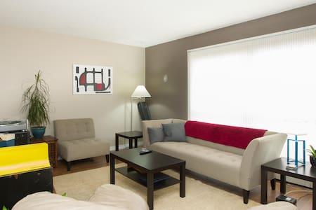Double Bed + Free WiFi - Condominium