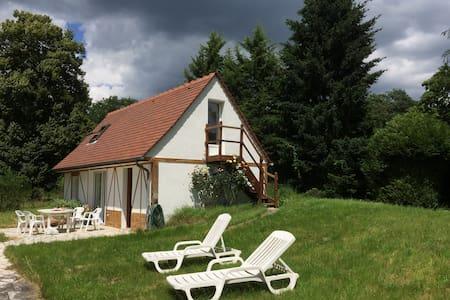 Maison dans la forêt - Chamant