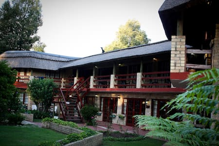 Storms River Guest Lodge - Bed & Breakfast