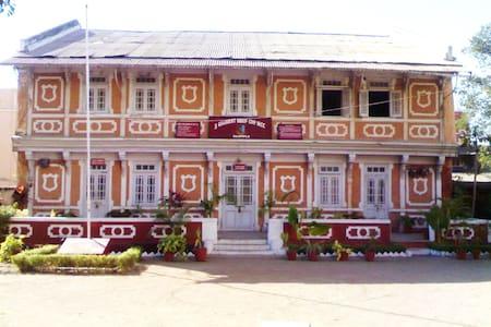 Mahida Niwas Homestay - Rajpipla - Huis