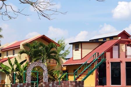 Double Room (1 Dbl Bed + 2 Twin Beds) - San Ignacio