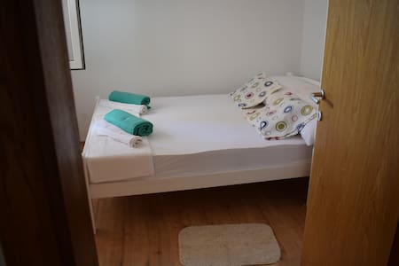 Private Double Bed Room - Apartment