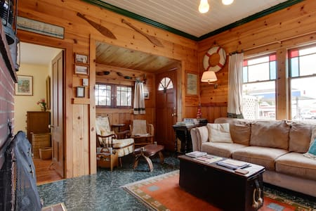 The Wrecktory: cozy, beachy 1890s getaway cabin - Long Beach - Chalet