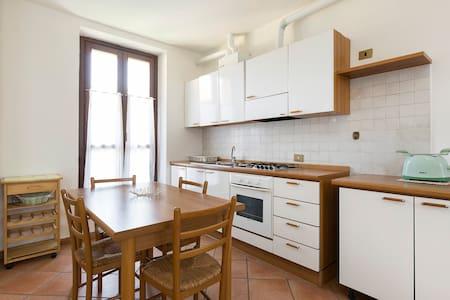 Quiet & cozy flat in Ticino Park close to Malpensa - Robecchetto Con Induno