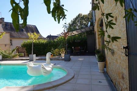 Maison de Charme - Terrace Suite - Saint-Martial-de-Nabirat - Bed & Breakfast