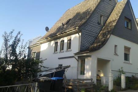 Möblierte FeWo / Monteurswohnung - Lejlighed