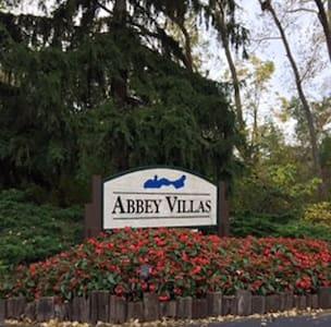 Lake Geneva - Entire Abbey Villa - Villa