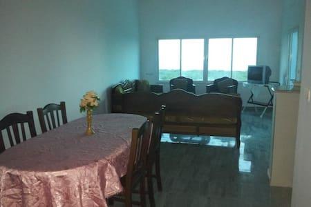 Appartement calme pieds dans l'eau à la Chebba - Chebba - Wohnung