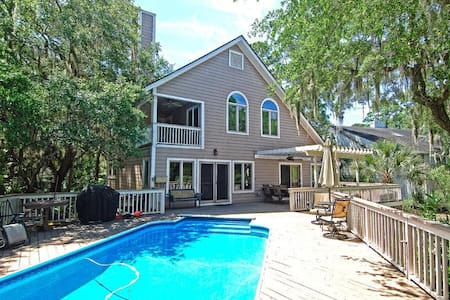 5BR Marshfront Home w/Pool & HotTub - Seabrook Island - Haus