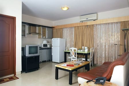 2BHK  fully equipped stay in Mumbai