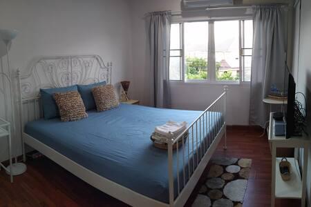 Sleeping cafe studio | working & living - Tambon Nong Chom - Loft