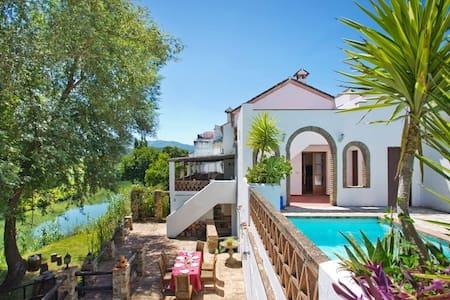 Luxury Riverside & Mountain Retreat - Cañada - Villa