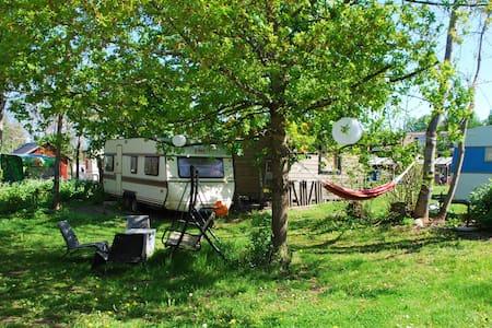 Edeby Gästfrihet, Caravan hostel 4 - Camper