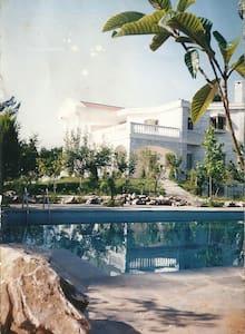 Stunning Villa in Athens suburbs