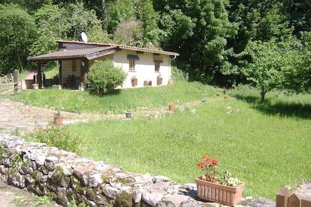 """""""...y el Paraíso está en La Sierra de Carancos..."""" - Nava - House"""
