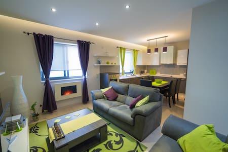 Modern & Comfortable 2BR Apartment (ref: DG) - Lija - Apartamento