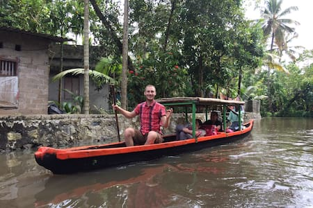 Village tour with Canoeing - Alappuzha - Boot