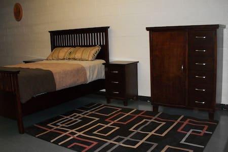 Private Room in a unique retreat - Simpson - Villa
