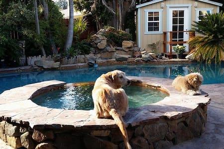 Tropical setting getaway for group - La Mesa - House