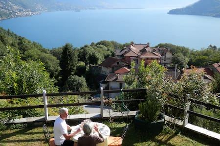 B&B-traumhafter Blick auf den Lago - Cannobio - Bed & Breakfast
