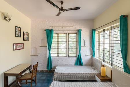 Charming Room at Whitefield, Bangalore - Bengaluru - Vila