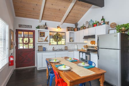 Remodeled Loft at 1850 -in town! Clean & Spacious! - Mariposa - Lakás