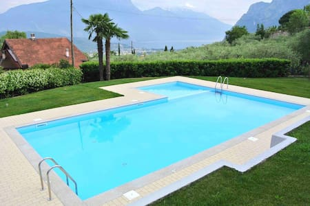 TITTA HOME | happy Holiday on Garda Lake - Townhouse