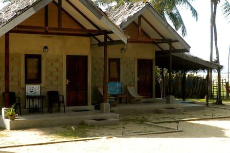 Beach Front Villa - Diyamba Beach - Kalpitiya - Villa