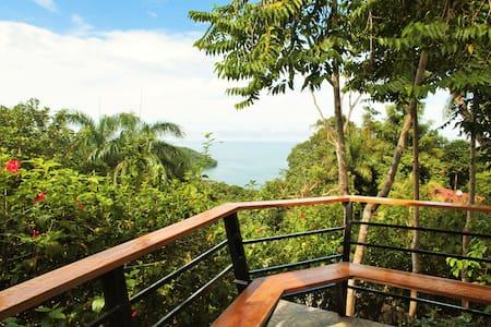 Emerald, Sapphire and Topaz Views, Casa Camila 1 - Quepos - House