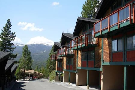 Remodeled 2/2 Timeshare; Great view of Lake Tahoe - Incline Village