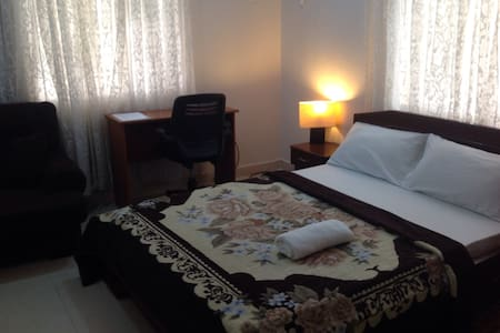 Comfy private room ensuite lekki - 拉各斯 - 公寓