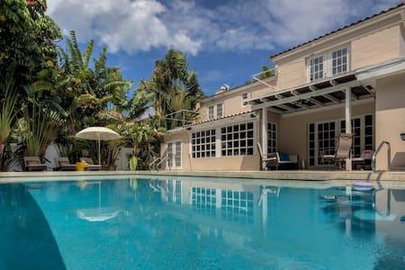 Stylish Villa Miami 6bedroom - Miami Beach