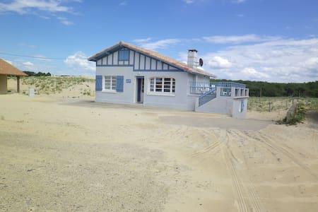 maison sur la dune plage st girons - Dům
