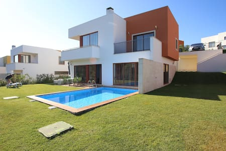 Obidos Lagoon Detached 3 Bed Villa. - Obidos  - Casa de camp