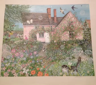 Lovely old timber framed cottage - Suffolk