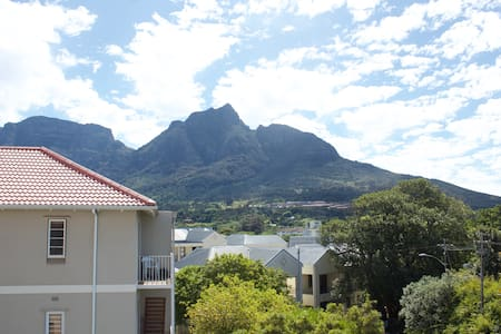 Lock Up & Go Apartment Southern Suburbs, Cape Town - Appartement