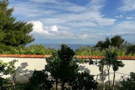Villetta a 800 metri dal mare - Mattinata - Villa