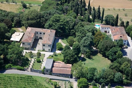 Campagna Toscana, piscina e tennis - Apartemen