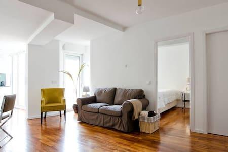 Apartament in the city - Pis