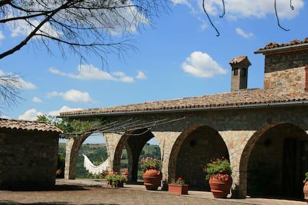 Villa Anna con piscina - Baschi